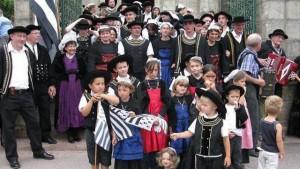 sortie de messe noces bretonnes