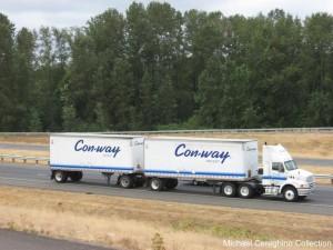 twin truck trailer